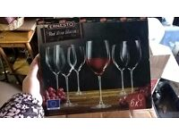 Brand new 6 Large wine glasses