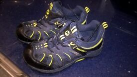 MERRELL TRAINERS/WALKING SHOES