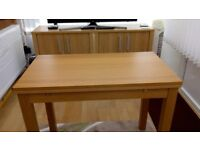 IKEA Oak Veneer Dining Table 90 x 50 when compact, 90 x 90 when extended