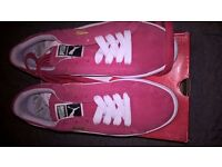 Brand new size 6 pink puma suede not nike or adidas