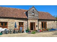 Goregous double room in converted barn just 10 minutes drive from Bristol city centre.