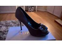 Brand new silver peeptoe heels