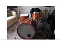 Gretsch Renown Maple Drum Kit - Gold Sparkle - hard cases