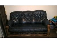 3+2 seater leather sofas, Luton Bedfordshire