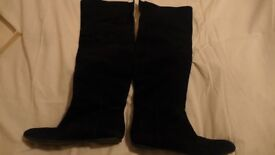 Fabulous Sam Edelman, black, soft suede, 'knee high' boots. Size: 39-40 (6.5-7). Great condition