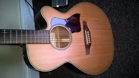 FANTASTIC TAKAMINE EG-40C ACOUSTIC GUITAR. (model made from 1995 to 2004)