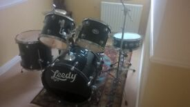 Leedy 5 Drum Kit + Snare In Gloss Black