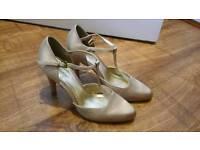 Womens heels size 4