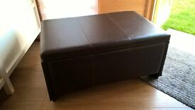 Ottoman storage box/trunk in faux leather