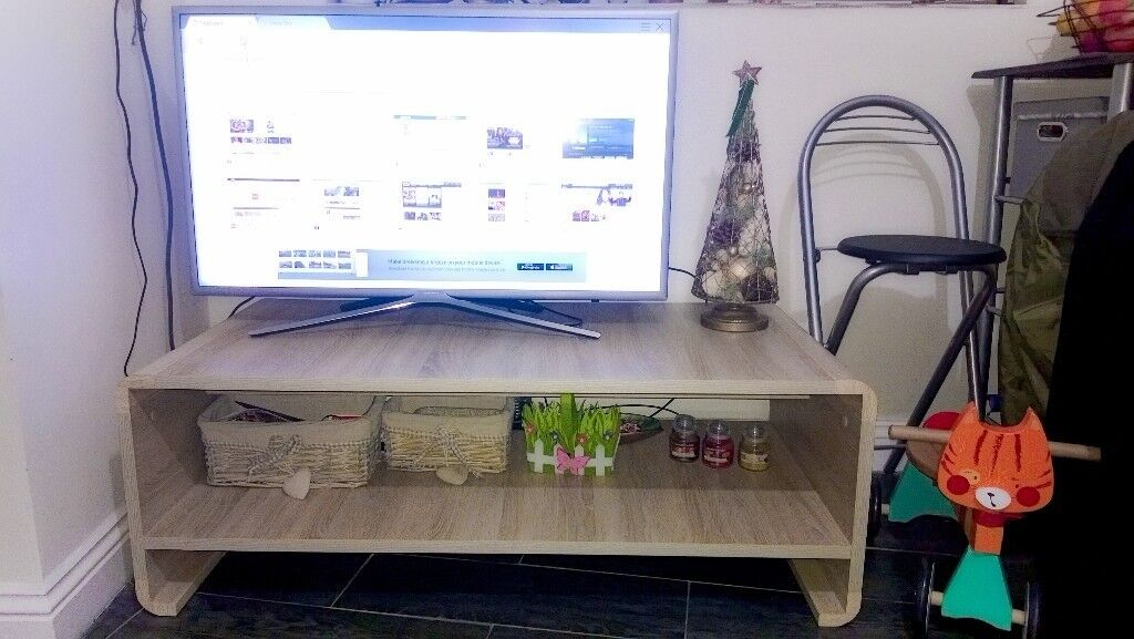 Elegant Oak finish TV unit/coffee table