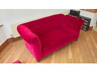Chez Longue drop end settee in luxury red velour, an antique that can be used every day!