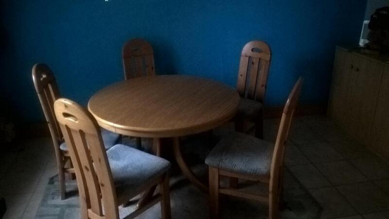 k chentisch mit 7 st hlen in niedersachsen wilhelmshaven ebay kleinanzeigen. Black Bedroom Furniture Sets. Home Design Ideas
