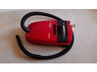Vacuum cleaner Siemens red SUPER E electronic 330 with two bags and accessories