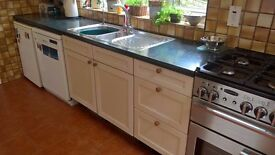 SEVENTEEN FITTED KITCHEN UNITS/CABINETS + 5.8M WORKTOP + SINK FOR SALE FOR LARGE KITCHEN