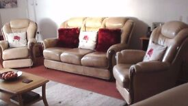 3 PIECE LEATHER SUITE, 2 single and 1 three seat, good condition. Buyer must arrange for collection.