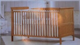 Bruin cot bed antique wood
