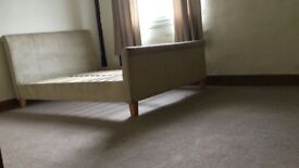 Room to rent Colchester town centre location. £100 pw bills inc