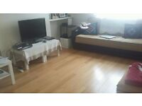 **Spacious Three bedroom flat available now in Chingford e4.. Minutes walk from Chingford Station**