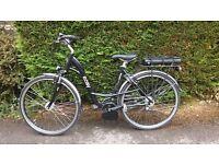 Electric Bike BOSCH ave Easy Hybrid.107 miles on clock.LED displays mph,distance,range etc.Superb