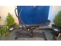 PRO 930 UPRIGHT ROWING MACHINE . DELIVERY POSSIBLE.