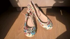 bead floral shoes