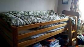 Kids bedframe
