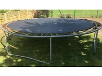 TRAMPOLINE 14ft FOR SALE