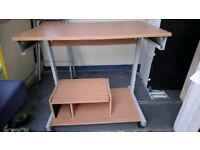 Computer Desk in good condition Can deliver