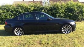 Black BMW 318i 2011, Automatic in Great Condition