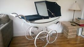 silvercross SILVERSTREAM coachbuilt pram WHITE and accessories