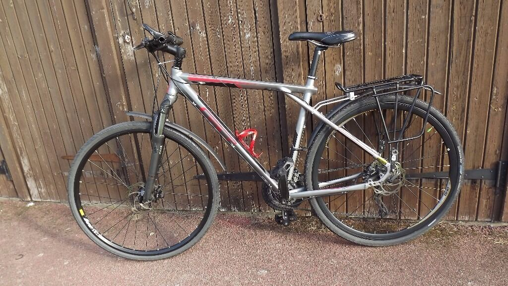 Gt Transeo 1 0 City Cross Bike 27 Speed Hydraulic Disc Brakes