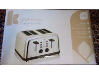 4-Slice Toaster - Silver & Cream