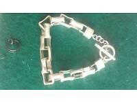 Solid sovereign bracelet