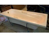 Free Bathtub Acrylic Light Cream