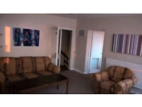 Sunny 3 bed flat, Oval, Central London