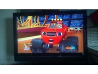 """hmdi lcd tv with built in freeview 42"""" perfect working order"""
