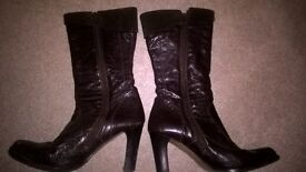 Designer leather Puss in boots. Size 5 Soft brown leather