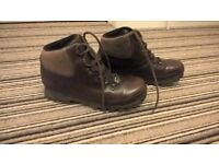 ladies size 6 chris brasher leather walking boots