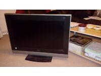 HITACHI 32 HD TV Faulty sales Ideal repairs or parts & fixture