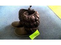 BNWT ladies/girls winter puff CROC boots black size 3