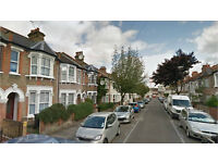 Walthamstow E17. Large & Light Newly Refurbished & Redecorated 2 Bed Furnished Flat with Garden