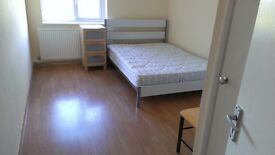 Double room in a nice green neighbourhood for a non smoking single person