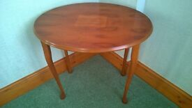 Nest 3 tables Yew wood