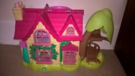 ELC Happyland Cherry Tree Cottage