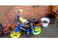 Childs bike and ladies bike ladies bike needs a break leaver £10 each pick up only
