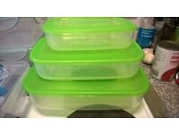 Lunch boxes lime green lids