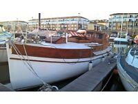 Liveaboard boat - beautiful 1920 yacht in Brighton