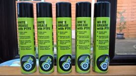 5 x 400ml white grease spray cans.