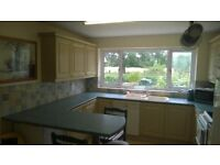 a quiet Room in a detached house viewing the river Thames. Purley/Tilehurst/Reading - NonSmoking