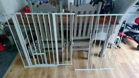 Large dog gate adjustable
